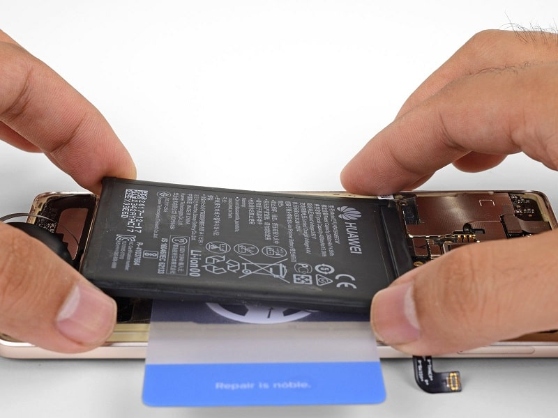 Huawei Mate 10 akkumulátor csere