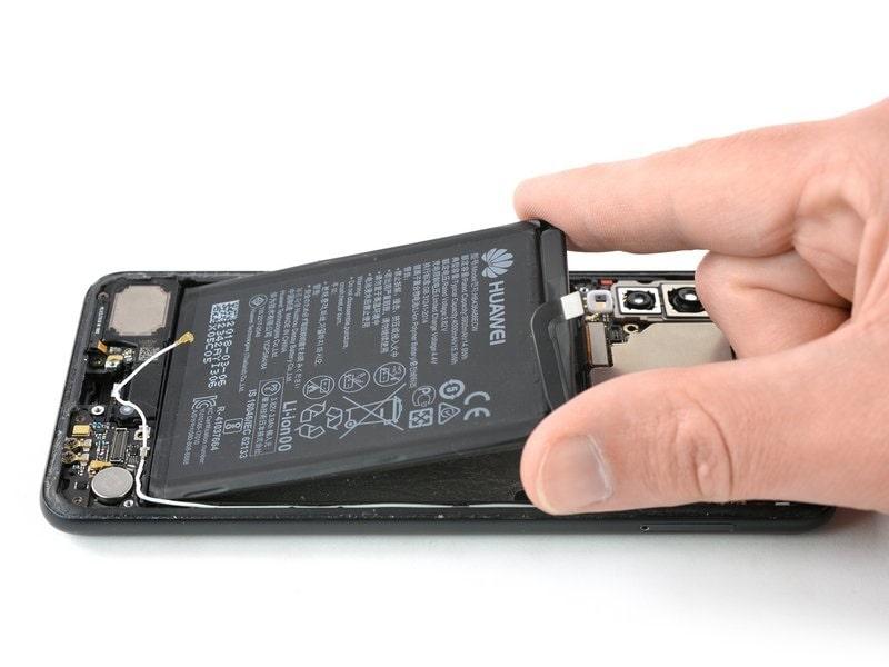 Huawei P20 Pro akkumulátor csere